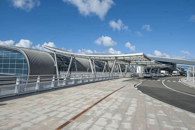 Sir-Seewoosagur-Ramgoolam-International-Airport-Entrance