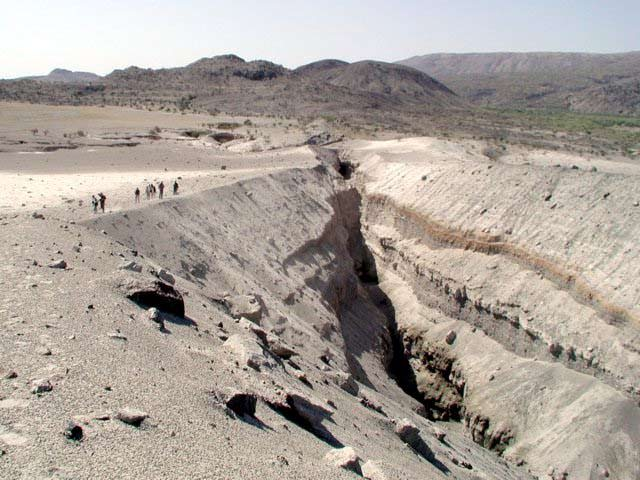 The eruption created a massive fissure in the earth
